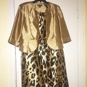 Dana Kay woman leopard satin 2 piece set